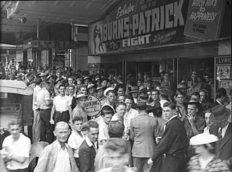 Tommy Burns (Australian boxer) - The crowd gathering at the Lyric Theatre, Sydney for the screening of the Burns-Patrick Fight, 1946.