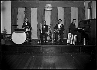 Australian jazz - Australian Dance band at the Jack Keating Dance Studio circa 1930 from the Tom Lennon collection, courtesy of the Powerhouse Museum