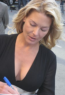 Deborah Kara Unger in Sep 2009.jpg