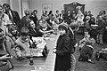 Demonstratie Dolle Mina tegen uitblijven creches op Binnenhof, Den Haag Doll, Bestanddeelnr 924-0210.jpg
