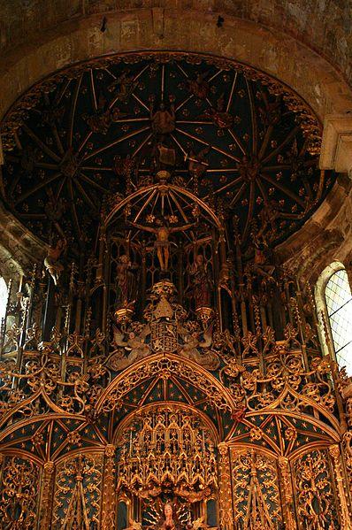 File:Detail of Main altar of Sé Velha de Coimbra.JPG