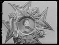 Detalj miniatyrporträtt KXIVJ serafimerkraschan - Livrustkammaren - 45502.tif