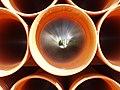 Detalle de unos tubos apilados.jpg