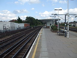 Dollis Hill stn eastbound look east