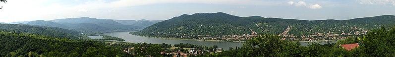 File:DonauknieVisegrad 2.jpg