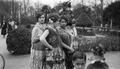 ETH-BIB-Tänzerinnen in den Rosengärten von Sevilla-Mittelmeerflug 1928-LBS MH02-04-0202.tif