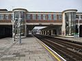 East Finchley stn centre platforms look north.JPG