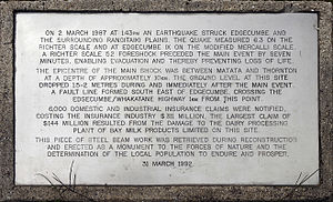 1987 Edgecumbe earthquake - Commemoration plaque of the 1987 Edgecumbe earthquake