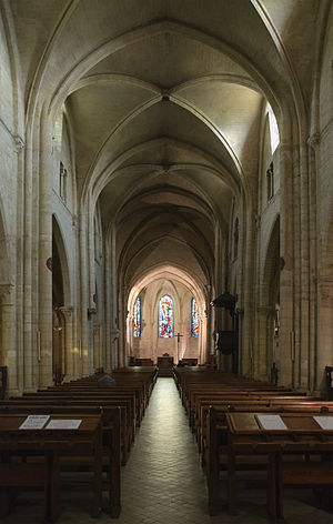 Saint-Pierre de Montmartre - The nave of Saint-Pierre de Montmartre was restored in the 19th century