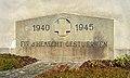 Elvange (Beckerich) WW II memorial.jpg
