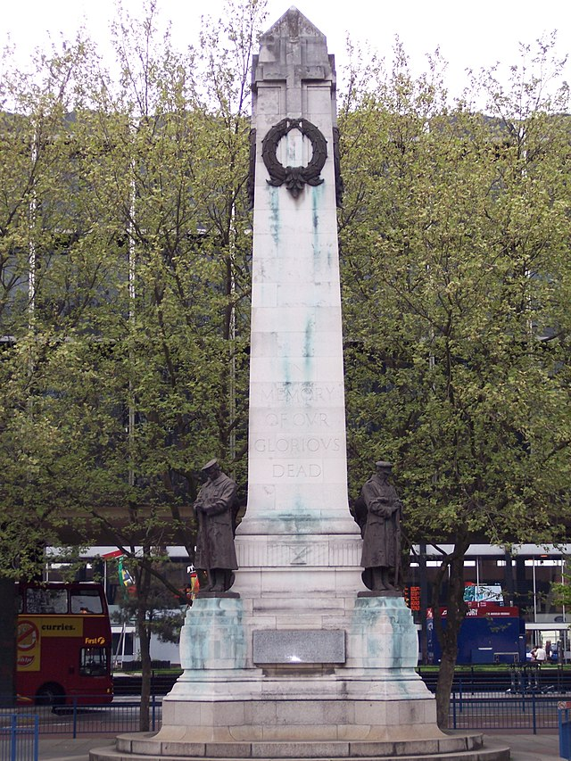 London and North Western Railway War Memorial_1