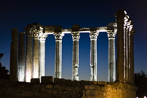 Evora roman-temple sunset