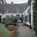 Exterieur straatwerk met goot - Haarlem - 20356690 - RCE.jpg