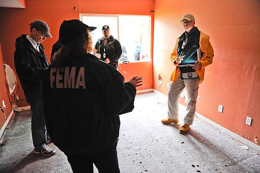 FEMA - 43626 - Showing the media a home inspection in Rhode Island