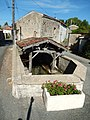 FR 17 Lozay - Lavoir de Puy Bardon 02.jpg