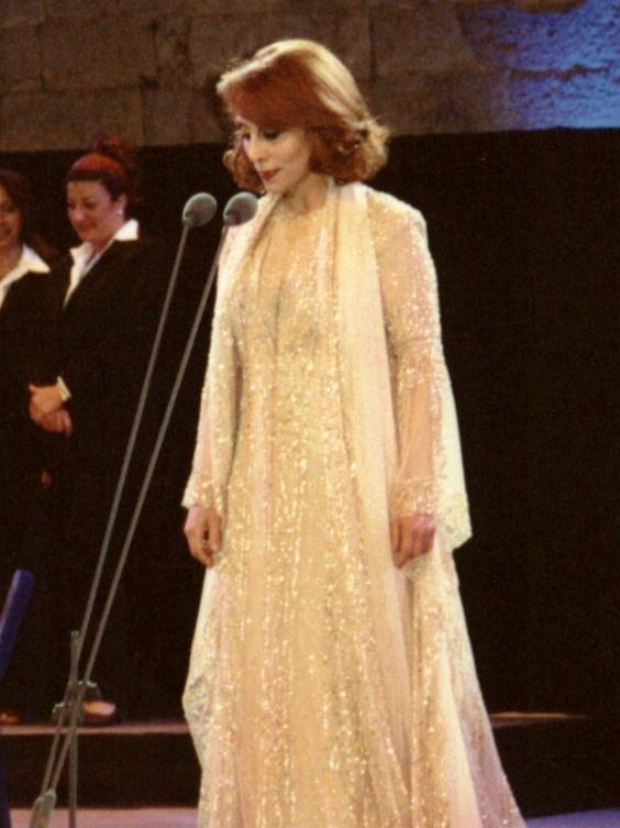 Fairuz in btd concert 2001
