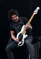 File-13-06-08 RaR Pierce the Veil Jaime Preciado 04.jpg