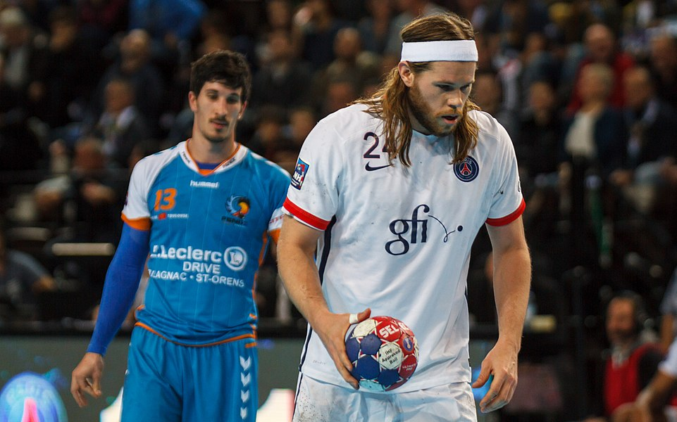 Semi-finale of the Handball League Cup, between Fenix Toulouse and PSG: Mikkel Hansen about to shoot a penalty.