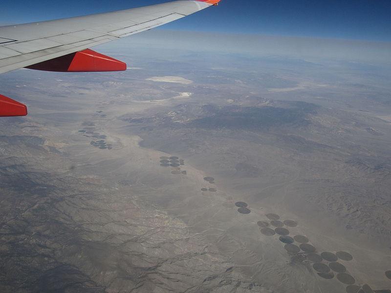File fish lake valley nevada and california 10753912513 for Fish lake ca