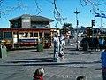Fisherman's Wharf promenade - panoramio.jpg