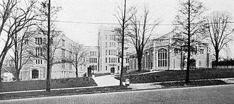 Flushing High School - Image: Flushing High School, New York City (1917)