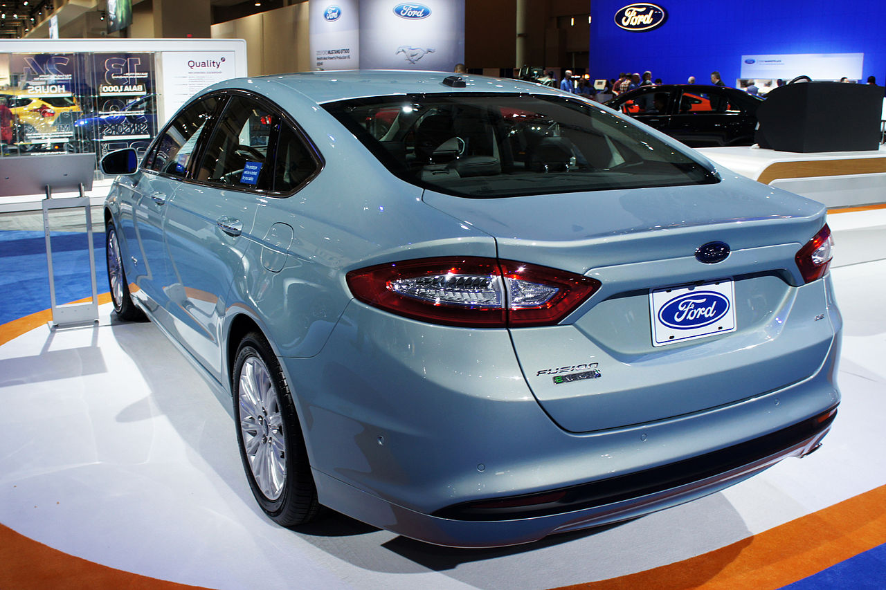 ford fusion energi plug in hybrid. Black Bedroom Furniture Sets. Home Design Ideas