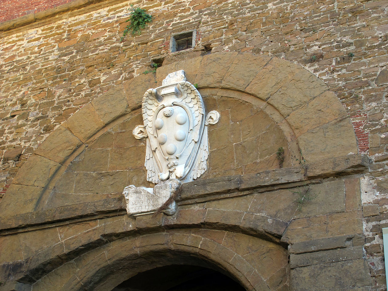 Forte Belvedere, stemma Medici