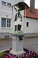 Frankenau-Figurenbildstock Nepomuk links vorne.jpg