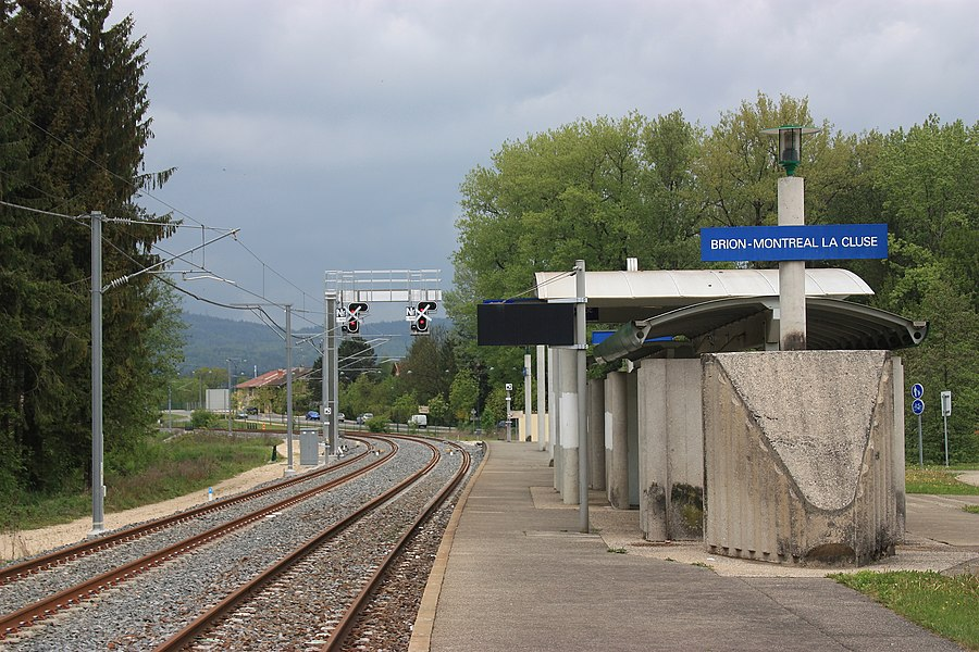 Railroad station of Brion-Montréal-la Cluse in 2010