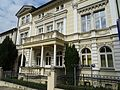 Gebäude mit Garten, ehemalige Musikschule Gera.jpg