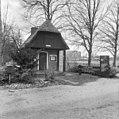 Gebouw bij ingangshek - Wassenaar - 20250512 - RCE.jpg