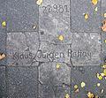 Gedenktafel Potsdamer Str 127 (Schön) Klaus Jürgen Rattay.jpg