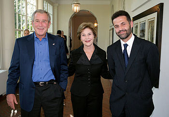 Khaled Hosseini at the White House in 2007, wi...
