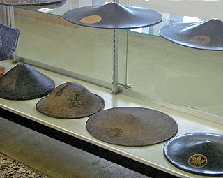 <i>Kasa</i> (hat) any of several traditional Japanese hats