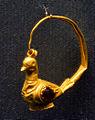 Golden rings with dove Staatliche Antikensammlungen 01.jpg