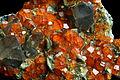 Granat, spessartyn z kwarcem dymnym i muskowitem - Fujien, Yun-Xiao, Chiny..JPG