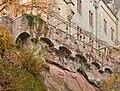 Hängende Mauer über dem abgeblätterten Buntsandsteinhang.jpeg