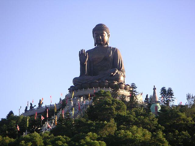 Статуя Большого Будды в Гонконге