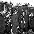 HUA-152938-Afbeelding van de ontvangst van de Argentijnse president Frondisi door Prins Bernhard op het N.S.-station Baarn te Baarn.jpg