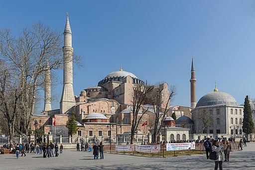 Hagia Sophia Mars 2013 01