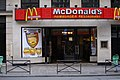 Hamburger McDonald's restaurant in Paris.jpg
