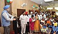 """Hardeep Singh Puri addressing at the distribution of the prizes to the winners for Painting, Essay, Slogan, Graffitti competition, organised by Hindustan Prefab Limited, as part of the """"Swachhta Hi Seva"""" Abhiyan, in New Delhi.JPG"""
