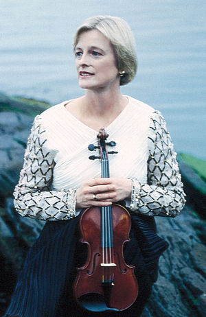 Helen Armstrong (violinist) - Image: Helen Armstrong Greencrop