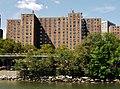 Houses at Harlem River - panoramio.jpg