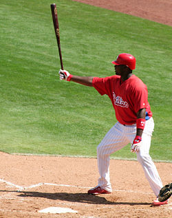 An example of Ryan Howard's signature stance he takes before taking a pitch.