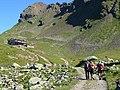 In cammino verso il rifugio Bozzi - panoramio.jpg
