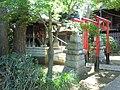 Inari Shrine (稲荷神社) in Higashi Tamagawa Shrine (東玉川神社) - panoramio.jpg