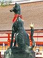 Inari fox statues, Fushimi Inari-taisha 01.jpg