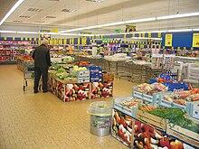 Interno di un supermercato Lidl