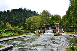 Achabal Gardens - Image: Inside Mughal Gardens At Achabal